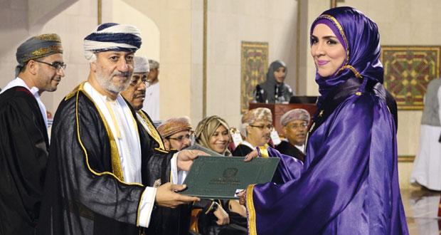 جامعة السلطان قابوس تضخ دفعة جديدة من (صناع التنمية)