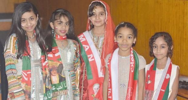 طلبة السلطنة بمدينة مانشستر البريطانية يحتفلون بالعيد الوطني الـ (45) المجيد