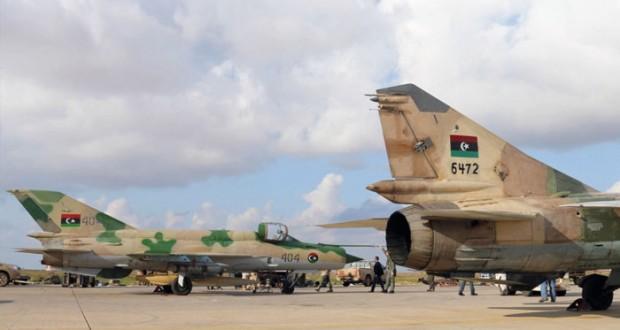 فرنسا ترجح امتداد الحرب على الإرهاب إلى ليبيا