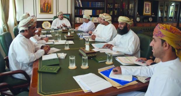 اللجنة الرئيسية للاحتفاء بنزوى عاصمة للثقافة الإسلامية تختتم اجتماعاتها