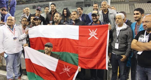 فريق عمان لسباقات السيارات يعتلي منصة التتويج في حلبة ياس بأبوظبي