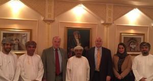 وفد من المجلس الوطني الأميركي للتجارة الخارجية يتعرف على النظام الدراسي بجامعة السلطان قابوس