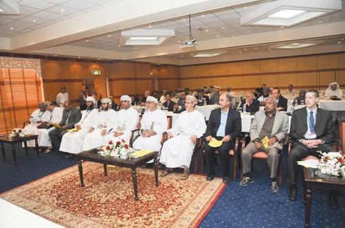 افتتاح مؤتمر تطبيقات تقنية النانو في معالجة المياه والطاقة الشمسية بجامعة السلطان قابوس