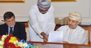 """التوقيع على اتفاقية """"خدمات استشارية لمشروع متحف التاريخ البحري العماني"""" في ولاية صور"""