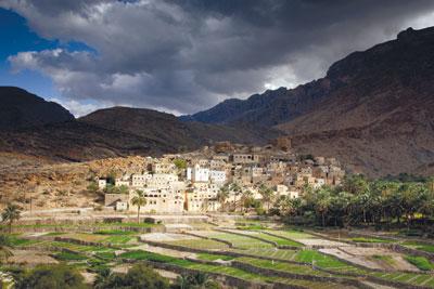 وزارة السياحة تنتهي من التراخيص لإقامة مشاريع فندقية ومنتجعات سياحية ضخمة في عدد من محافظات السلطنة