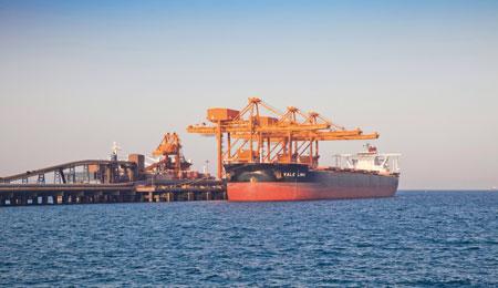 رصيف فالي بميناء صحار الأول عالميا في شحن المواد السائبة