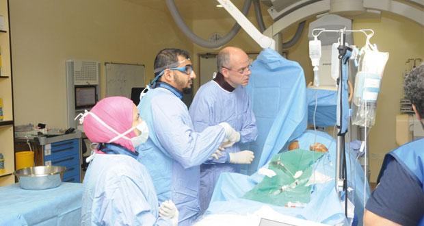 المستشفى السلطاني ينظم حلقة حول إجراء القسطرة العلاجية والتشخيصية للمرضى