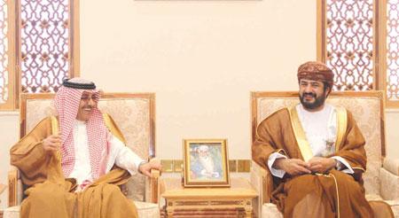 وزير الخدمة المدنية يستقبل مدير عام المنظمة العربية للتنمية الإدارية