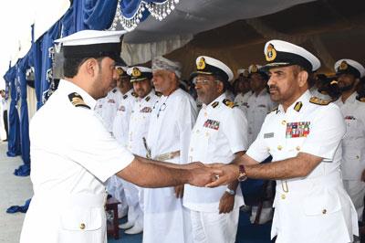 البحرية السلطانية العمانية تحتفل بخروج السفينتين (الشرقية) و ( سدح ) من الخدمة