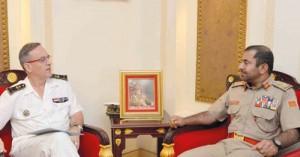 قائد الجيش السلطاني العماني يستقبل قائد القوات الفرنسية في المحيط الهندي