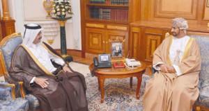 وزير ديوان البلاط السلطاني يستقبل سفيري قطر ومصر
