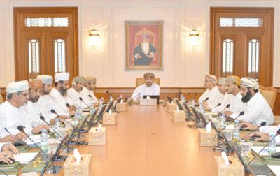 مكتب مجلس الشورى يستعرض عددا من طلبات الإحاطة والأسئلة البرلمانية الموجهة للوزراء