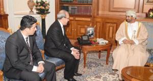 وزير ديوان البلاط السلطاني يستقبل سفراء الجزائر والصومال والسعودية