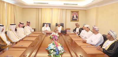 وفد قطري يطلع على تجربة هيئتي الوثائق والمحفوظات الوطنية وتقنية المعلومات