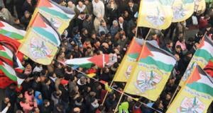 الاحتلال يهاجم منزل شهيد مقدسي ويعتقل فلسطينيين في سلسلة اعتقالات بالضفة المحتلة