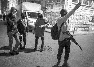 تركيا: مقتل 8 أكراد في عملية أمنية كبرى بجنوب الشرق