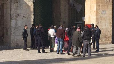 عصابات المستوطنين تقتحم (الأقصى) وميليشيات الاحتلال تحتجز المصلين