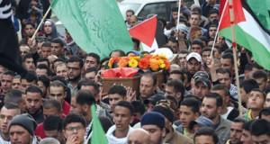 تشييع جثامين شهداء عقب تحريرهما من قبضة الاحتلال..وميليشياته تهاجم المحتجين