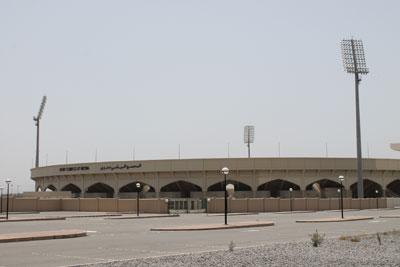 اليحمدي مدير دائرة الشئون الرياضية بالداخلية بشفافية وصراحة لـ (الوطن الرياضي):
