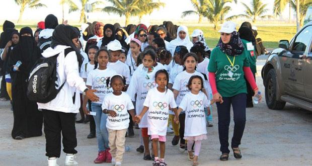 اللجنة الأولمبية العمانية تجري تجهيزاتها لليوم الأولمبي في ست محافظات