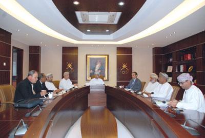 لجنة التخطيط والمتابعة بالأولمبية العمانية تستعرض مشاركة منتخباتنا في الاستحقاقات القادمة