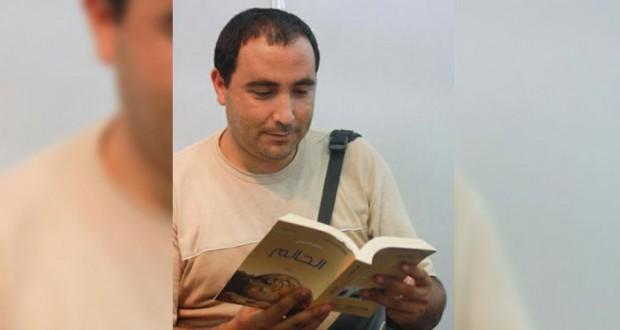 """الروائي الجزائري سمير قسيمي لـ """"أشرعة"""": وحده اليقين ما يقتل المبدع، ووحده المتسبب في كل هذا الكم الرهيب من الكتابات الرديئة"""