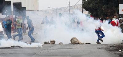 قوات الاحتلال تصعد من إجرامها ضد الفلسطينيين