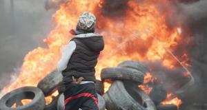 4 شهداء والاحتلال يفتح النار بغزة ويصيب العشرات بالاختناق فـي مسيرة كفر قدوم