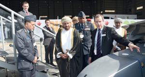 الوزير المسؤول عن شؤون الدفاع يترأس وفد السلطنة المشارك فـي افتتاح معرض البحرين الدولي للطيران