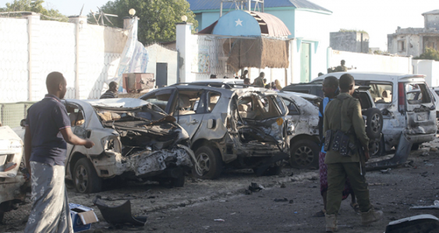 20 قتيلا في هجوم مسلح على مطعم بالصومال