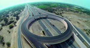 """""""النقل والاتصالات"""" تؤكد أن جسور وتحويلات طريق الباطنة تخفف من الازدحام المروري"""