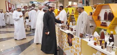 سوق العسل العماني الخامس يحقق مبيعات تجاوزت 65 ألف ريال عماني