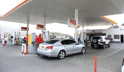غدا .. بدء العمل بالتسعيرة الجديدة للوقود وتوقعات بارتفاع الطلب اليوم على بعض المحطات