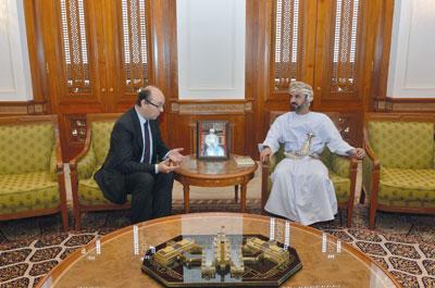 رئيس مجلس الشورى يستقبل باحثا فـي الشؤون التاريخية