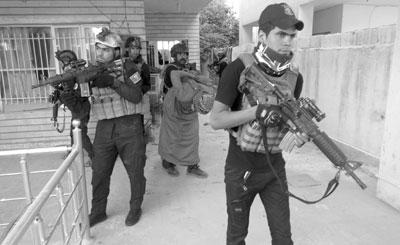العراق : هجوم انتحاري يحصد قتلى فـي بعقوبة و«داعش» يتبنى تفجيرات بغداد والمقدادية