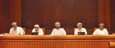 حلقة نقاشية تستعرض الجوانب التشريعية والرقابية وصلاحيات مجلس الشورى