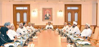 مكتب مجلس الشورى يناقش تصنيف شركات القطاع الخاص ودارسة إمكانية إنشاء الجمعيات التعاونية