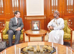 رئيس مجلس الشورى يستقبل استاذا بكلية الشؤون الامنية الدولية