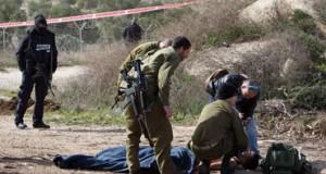 إصابة حرجة لشاب فلسطيني بزعم محاولة طعن..وغالبية حالات الإعدام على الحواجز