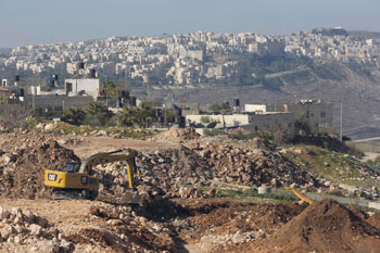إسرائيل تسعر حملتها في الأراضي المحتلة