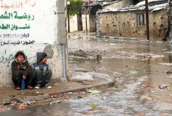 عصابات مستوطنين تقتحم (الأقصى).. وميليشيات الاحتلال تواصل هدم المنازل والاعتقالات
