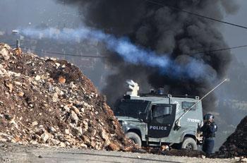 جيش الاحتلال يصعد ممارساتها الإجرامية في الأراضي المحتلة