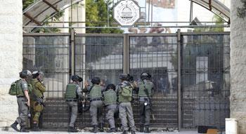 جيش الاحتلال يقتحم جامعة القدس ويخرب المعامل ومقرات الكتل الطلابية
