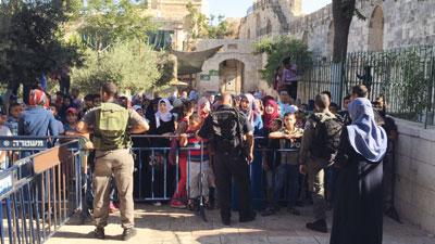 ميليشيا مستوطنين تقتحم الأقصى وجيش الاحتلال يعسكر القدس