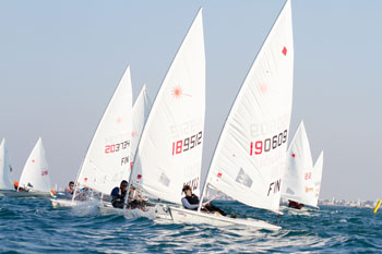 150 من أفضل البحارة الأشبال من 20 دولة يخوضون أنشطة تدريبية استعدادا للسباقات