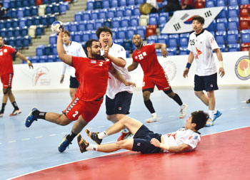 في البطولة الآسيوية لكرة اليد بالمنامة.. منتخبنا يخسر أمام كوريا بفارق نقطة والمنتخب القطري يتصدر ترتيب المجموعة الأولى