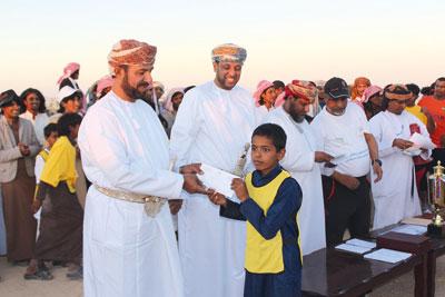 القافلة الرياضية تواصل فعالياتها بولاية المزيونة بمحافظة ظفار