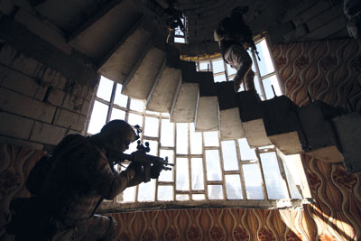 العراق: هجمات على الأنبار وصلاح الدين وانتحاريون يقتحمون (سبايكر)