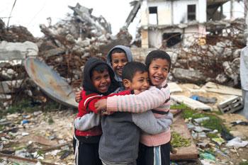 شهيدان بالضفة والفلسطينيون يدعون العالم للانتصار على التطرف بمحاسبة إسرائيل