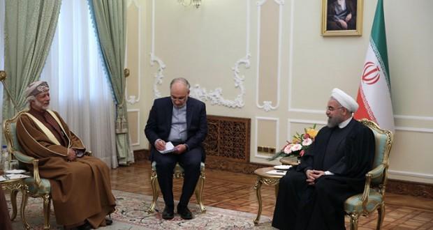 الرئيس الإيراني يبحث مع ابن علوي الارتقاء بالعلاقات بين السلطنة وإيران